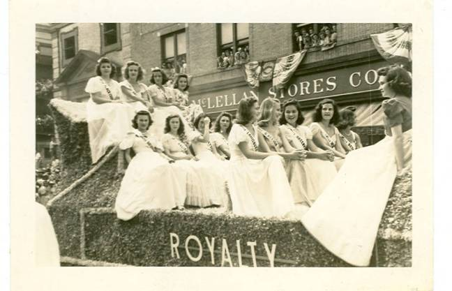 Royalty_Float_c1940s